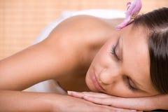 Mujer en masaje Foto de archivo