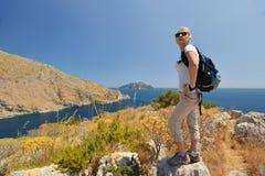Mujer en montaña Imagen de archivo libre de regalías