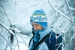 Mujer en nieve Fotografía de archivo libre de regalías