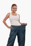 Mujer en pantalones grandes foto de archivo libre de regalías