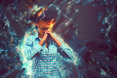 Mujer en realidad virtual Imagen de archivo