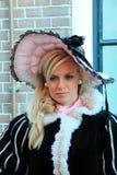 Mujer en ropa envejecida media Fotografía de archivo libre de regalías