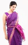 Mujer en sari rosada Foto de archivo
