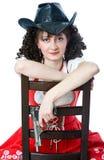 Mujer en sombrero de vaquero con el arma Imágenes de archivo libres de regalías