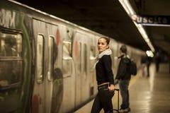 Mujer en subterráneo Fotos de archivo libres de regalías