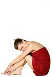 Mujer en toalla de baño roja imágenes de archivo libres de regalías
