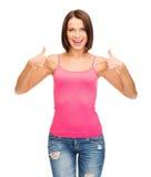Mujer en top sin mangas rosado en blanco Foto de archivo libre de regalías