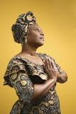 Mujer en traje africano. Imágenes de archivo libres de regalías