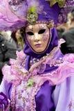 Mujer en traje en el carnaval veneciano Fotos de archivo