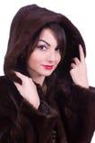 Mujer en un abrigo de pieles fotografía de archivo libre de regalías