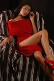 Mujer en una alineada roja Fotografía de archivo