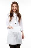 Mujer en una capa médica blanca Imagen de archivo