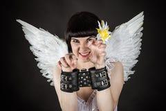 Mujer en una imagen de un ángel shackled Imagen de archivo libre de regalías