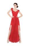 Mujer en vestido de noche rojo Imágenes de archivo libres de regalías