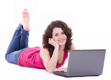 Mujer en vidrios con PC del ordenador Imagenes de archivo