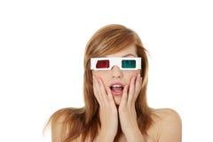 Mujer en vidrios del cine 3d Fotografía de archivo libre de regalías