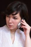 Mujer encantadora con el móvil Imagenes de archivo