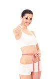 Mujer feliz con ella resultados de la dieta fotos de archivo libres de regalías