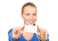 Mujer feliz con la tarjeta de visita Fotografía de archivo