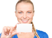 Mujer feliz con la tarjeta de visita Imágenes de archivo libres de regalías