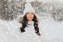 Mujer feliz con nieve al aire libre en invierno Fotografía de archivo libre de regalías