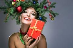 Mujer feliz de la Navidad Imagen de archivo libre de regalías