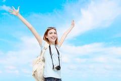 Mujer feliz del viaje imagenes de archivo