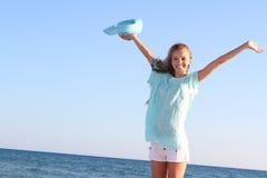 Mujer feliz en fondo del mar Imagenes de archivo