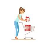 Mujer feliz en la ropa casual que pone una caja de regalo en el carro de la compra, haciendo compras en colmado, supermercado o libre illustration