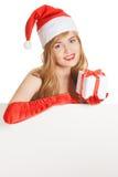 Mujer feliz joven de Navidad con regalos imagen de archivo libre de regalías