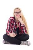 Mujer feliz joven del blondie que se sienta con el teléfono móvil en su mano Fotografía de archivo libre de regalías