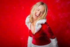 Mujer feliz que guiña y que es divertida Imagen de archivo