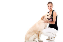 Mujer feliz y su perro hermoso Fotografía de archivo