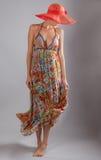 Mujer fina alta en Maxi Dress Foto de archivo libre de regalías