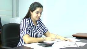 Mujer frustrada almacen de video