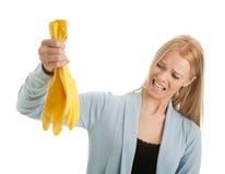 Mujer frustrada en la desesperación antes de limpiar Imágenes de archivo libres de regalías