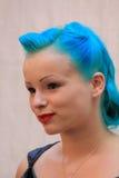 Mujer gótica con el pelo azul Fotografía de archivo libre de regalías