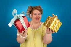 Mujer gorda feliz Imagenes de archivo