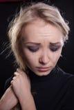 Mujer gritadora trastornada expresión trágica Imagen de archivo libre de regalías
