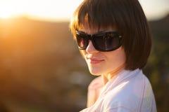 Mujer hermosa al aire libre Imagen de archivo libre de regalías