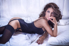 Mujer hermosa atractiva en ropa interior Imágenes de archivo libres de regalías