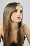 Mujer hermosa con el pelo largo del lustre sano Imagen de archivo libre de regalías