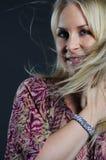 Mujer hermosa con el pelo que agita Imagenes de archivo