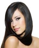 Mujer hermosa con el pelo recto largo Fotografía de archivo libre de regalías