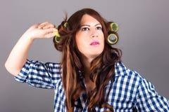 Mujer hermosa con el pelo rizado Imagen de archivo