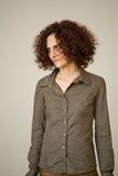 Mujer hermosa con el pelo rizado Imagenes de archivo