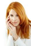 Mujer hermosa con el pelo rojo Imagen de archivo libre de regalías