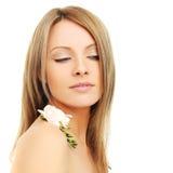 Mujer hermosa con el pelo rubio Imágenes de archivo libres de regalías