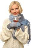 Mujer hermosa con el vidrio del coñac. Imagen de archivo libre de regalías