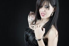 Mujer hermosa con maquillaje de la tarde Joyería y belleza Imágenes de archivo libres de regalías